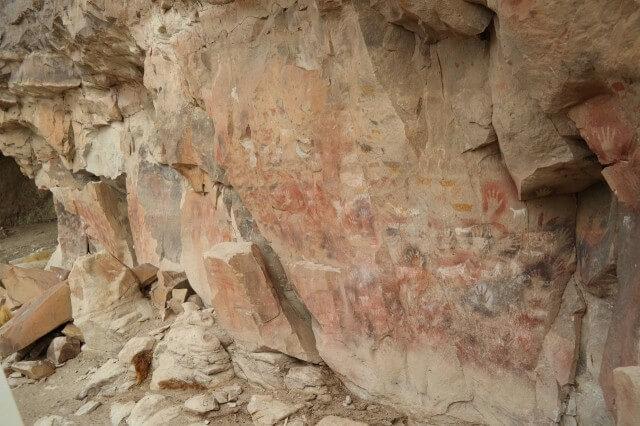 Cueva de las Manos - steinzeitliche Aerosol-Junkies